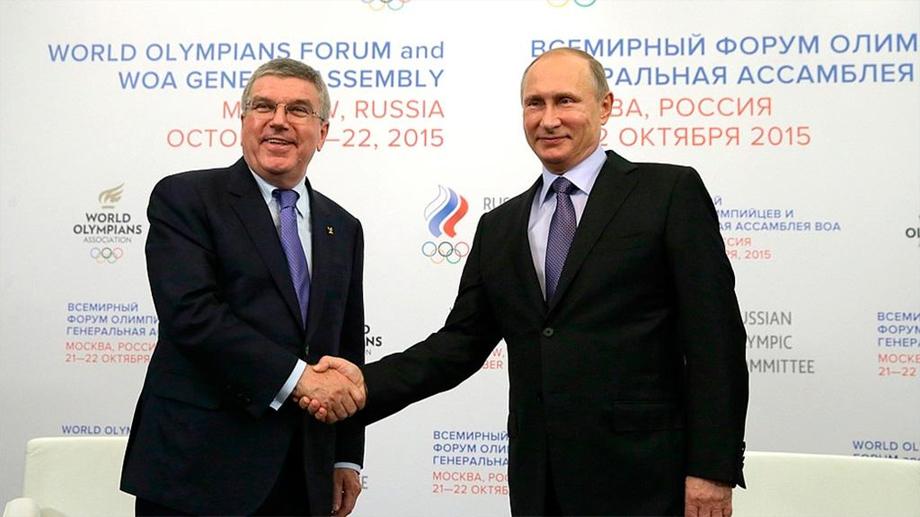 Владимир Путин и Томас Бах призвали деполитизировать спорт