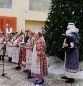 Удмуртский Дед Мороз Тол Бабай водил хороводы в Сарапуле