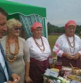 В Вологодской области завершился фольклорно-этнографический фестиваль вепсской национальной культуры «Древо жизни»