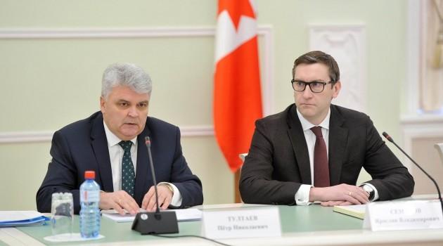 Пётр Тултаев провел заседание Совета Ассоциации финно-угорских народов России в Удмуртии