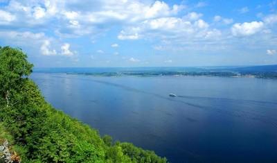 Приглашает песенный фестиваль народов Поволжья «Волга одна, песни разные»